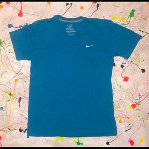 Nike Regular Fit (V-Neck) T-shirt Sz Medium (TEAL)
